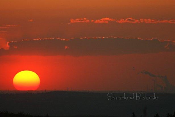 Sonnenuntergang im Sauerland, Balver Wald - Klicken für größere Ansicht!